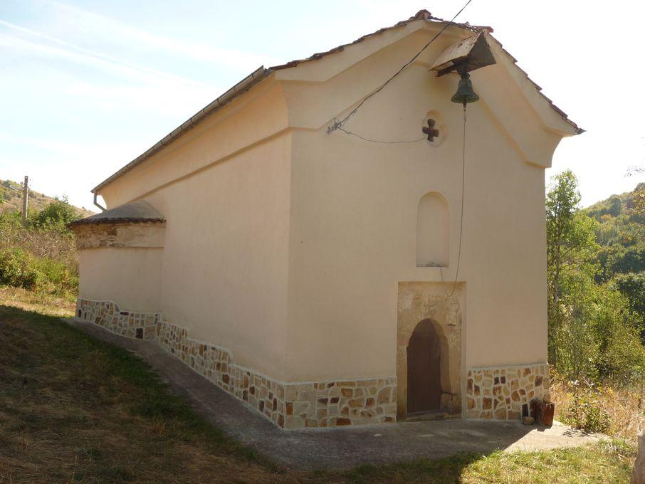 """Православен храм """"Св. Богородица"""" с. Пищане"""